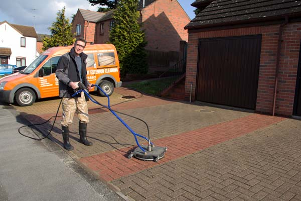 Revive Your Driveway With Smart Exterior Cleaning S Cost Effective Pressure Jet Washing Service
