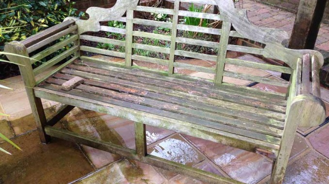 How To Pressure Clean Your Garden Furniture Smart Exterior Cleaning